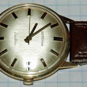 Продам золотые швейцарские механические часы Bergana